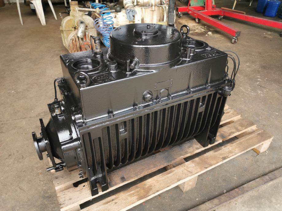 vakum pumpa za cisternu MORO M902