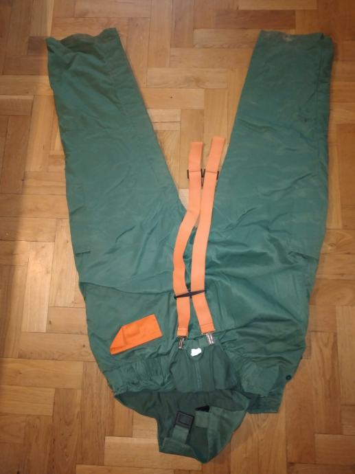 hlače za piljenje drva