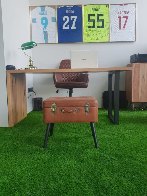 Uredski stol HRAST
