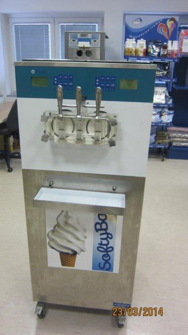 sladoledni stroj za točeni sladoled na kotačima
