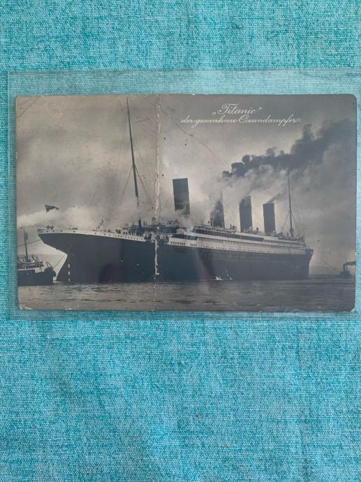 Titanic originalna razglednica- presavinuta