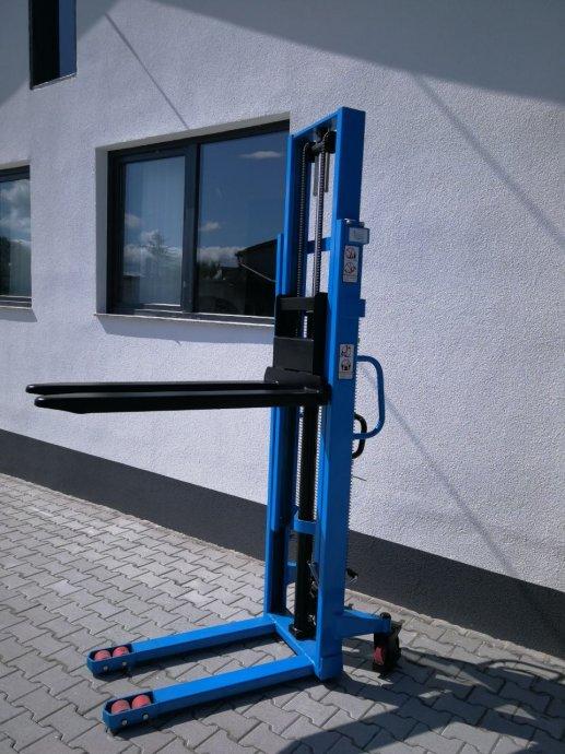 Visokopodizni viličar 300 cm / 1500kg - BRZA PUMPA - DOSTAVA