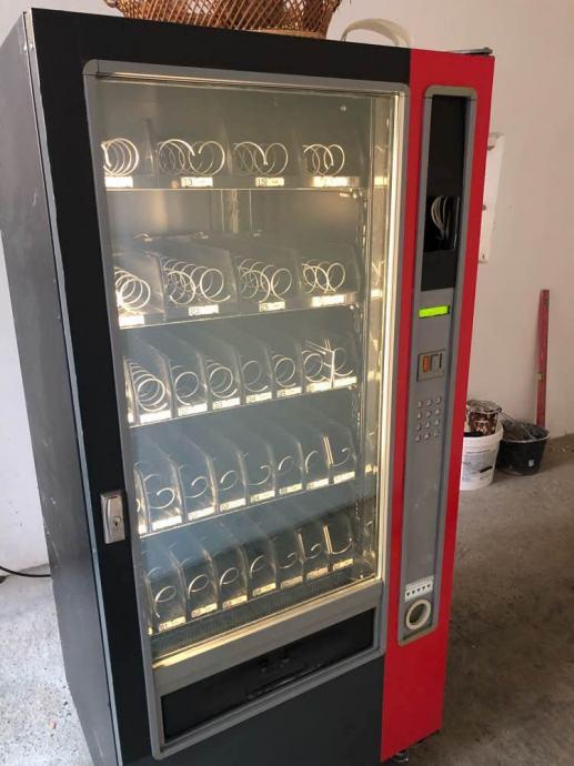 Zannusi hladnjak