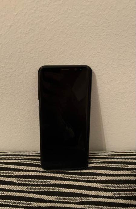 Samsung Galaxy S8+, VRHUNSKO stanje