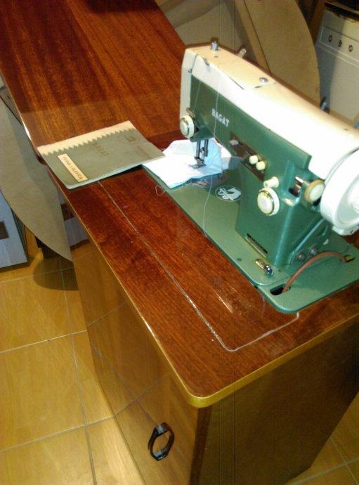 Prodajem šivaću mašinu Slavica Bagat