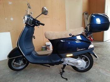 Accident lawyers info. 2006 VESPA LX 50 HyS scooter pictures
