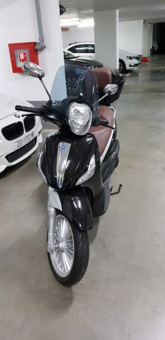 Piaggio Beverly 300 cm3, 2018 god.