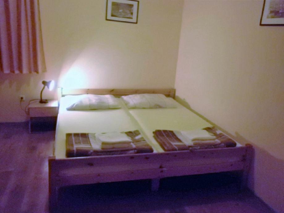 Spavace Sobe Lesnina Rijeka_20170901124858 ~ Prodajem apartmanske spavaće sobe