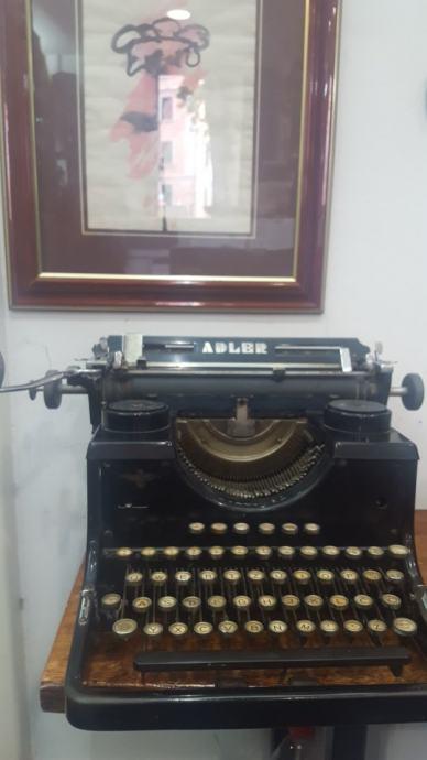 Pisača mašina ADLER