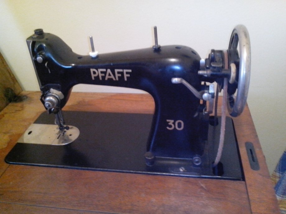 Šivaća mašina PFAFF 30