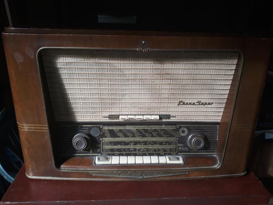 """Stari radio + gramofon """" Nordmende """""""