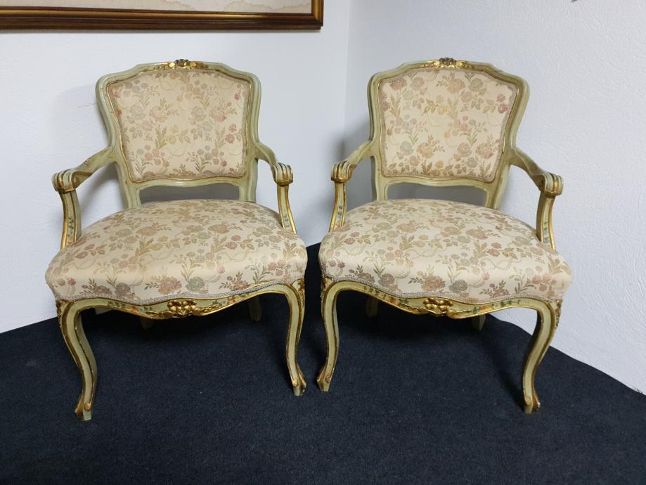 Dvije venecijan stolice