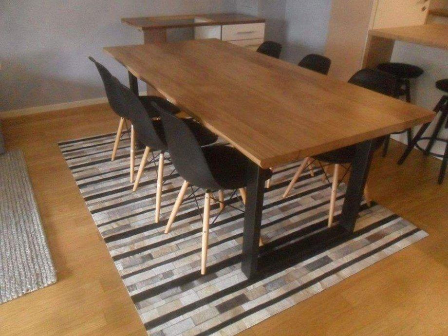 Masivni stol