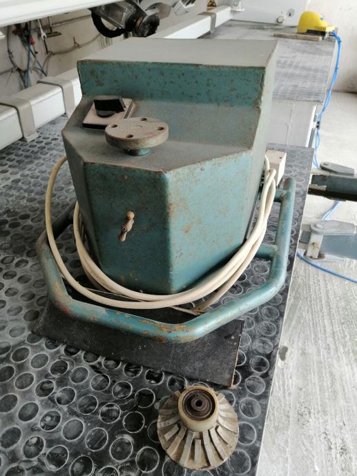 Mašina za brušenje 1/4 i C profil (ručno vođenje)