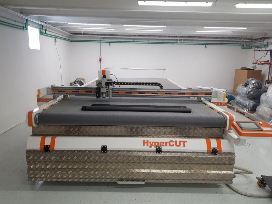 CNC HyperCUT za krojenje u tekstilnoj industriji 2040 sa 4 glave