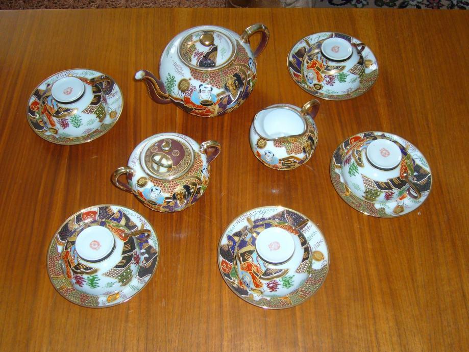 Ručno oslikan porculanski servis za čaj