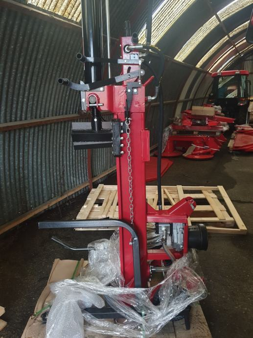 Cjepač za drva kardanski 25 tona