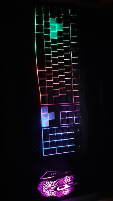 Gaming tipkovnica + miš
