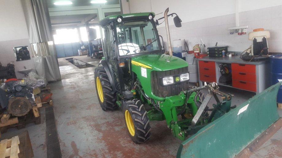 John Deere 5315V - vinogradarski/voćarski traktor
