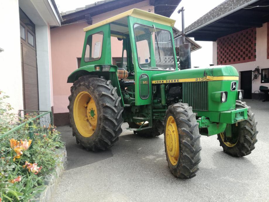 traktor john deere 2130 4x4