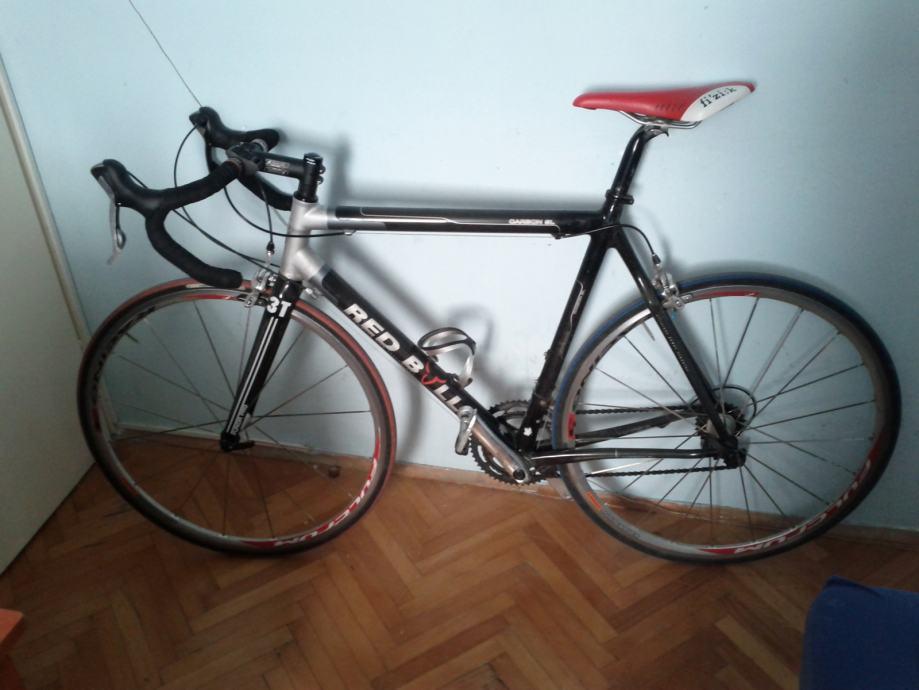 trkaci cestovni bicikl red bull carbon sl ultegraduraace