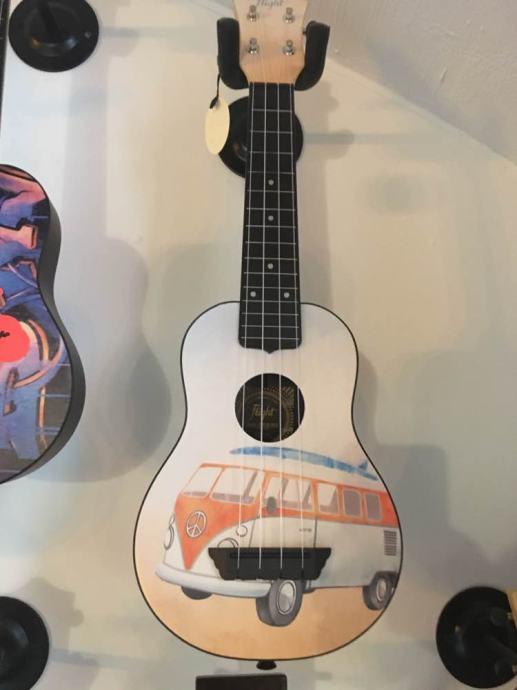 Flight ukulele
