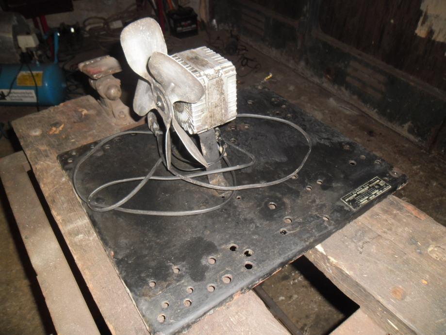 ventilator,220,V,elisa,19cm,sa nosačem talijanski okl,KA,POVOLJNO
