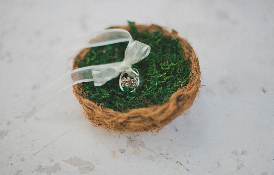 sniženo ! Jastuk za prstenje- simbolično ptičje gnijezdo
