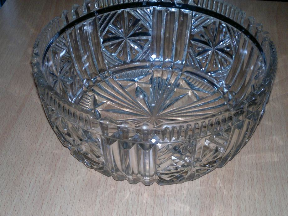 Dekorativna staklena zdjela