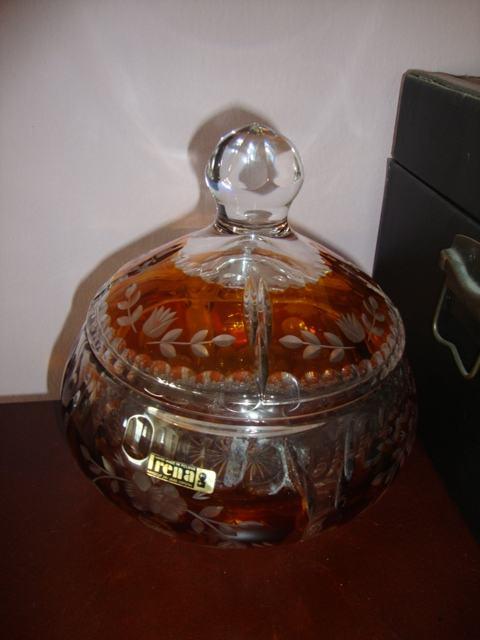 Kristalna zdjela s poklopcem