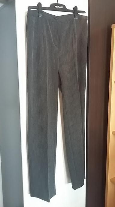 Ženske hlače- 4 komada