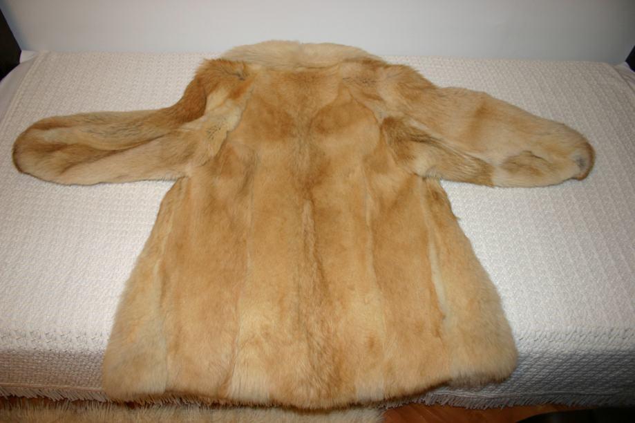 Ženska bunda - pravo krzno vuk