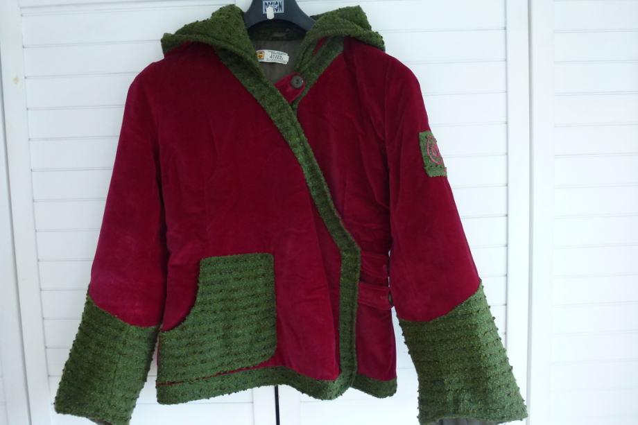 Ženska dizajnerska jakna od pliša vel 38/40 + poklon